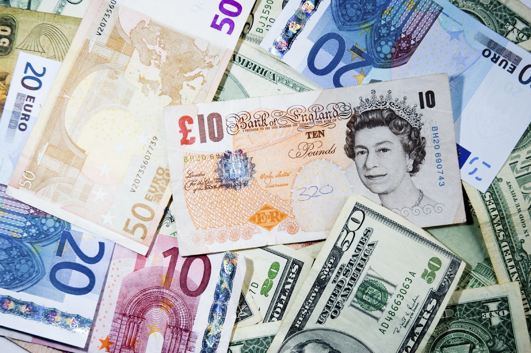 Pound Sterling to Euro (GBP/EUR) Forecast: lack of British Data means Euro Likely to Hold Gains ...